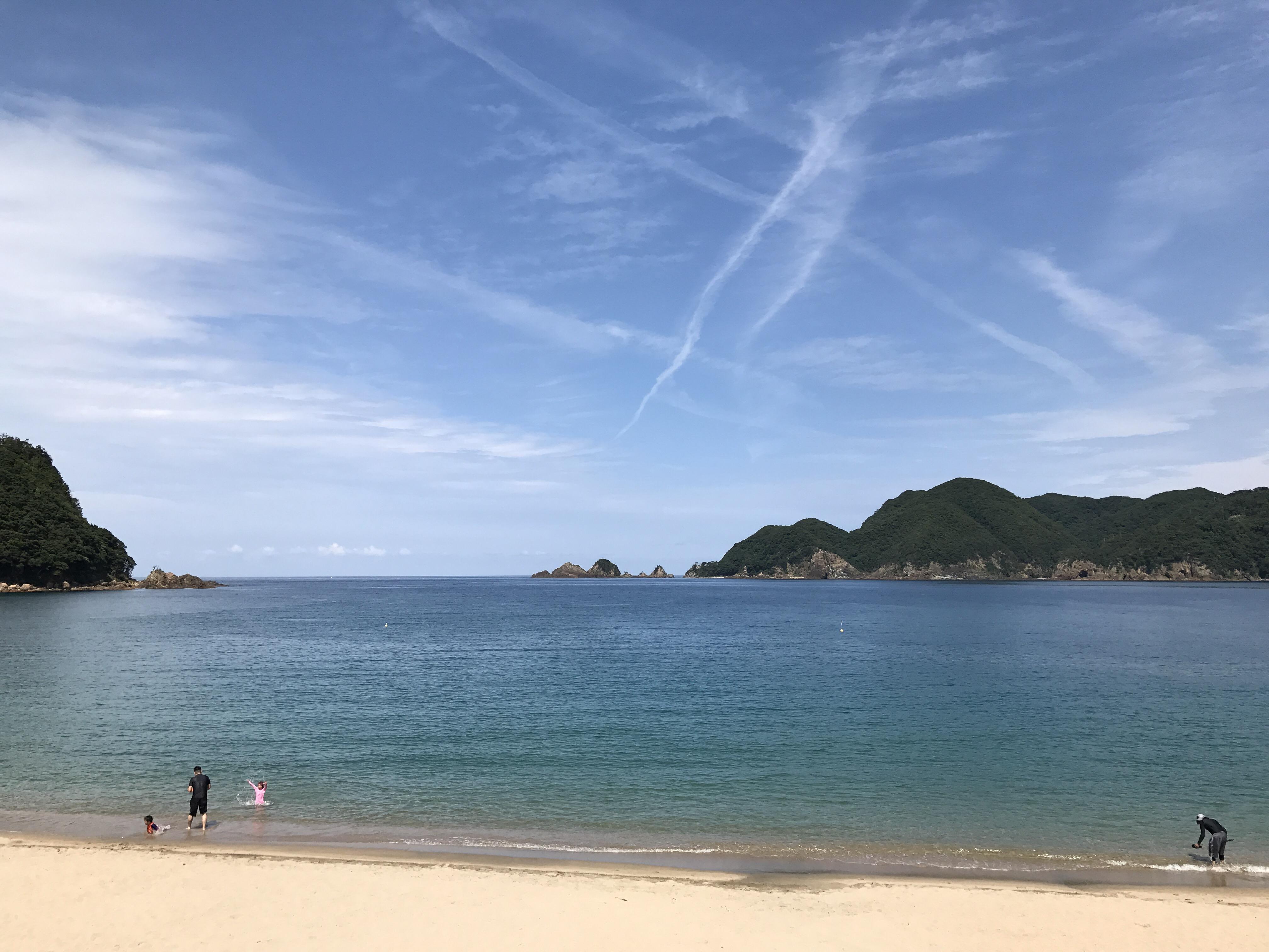 夏らしい海と空